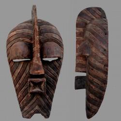 Magnifique très ancien Kifwébé Songyé masculin