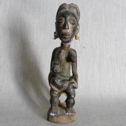 Ancêtre reine Koulango en maternité