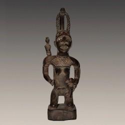 Figure de reine Bakongo en maternité