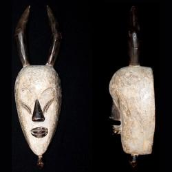 Masque lièvre à usage décoratif