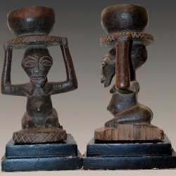 Statuette Songyé porteuse de coupe