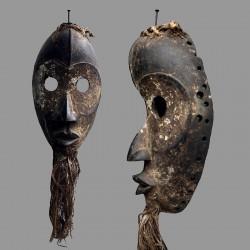 Masque ancien d'un initié Dan