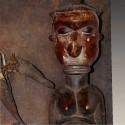 Plaque murale Yaka case aux fétiches