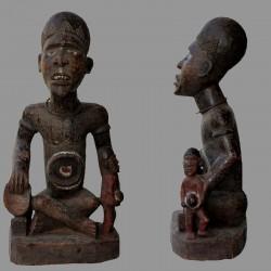 Nkisi Bakongo statuette africaine avec enfant