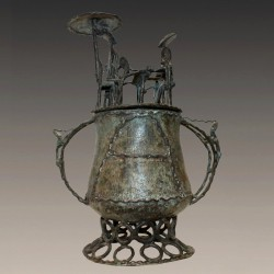 Ancien pot à bijoux en bronze