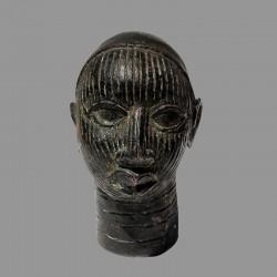 Reine en bronze du Bénin