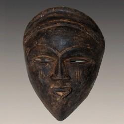 Masque africain ancien Vuvi