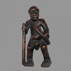 Statuette africaine Tikar Ancetre chasseur cueilleur