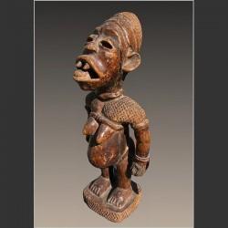 Statuette féminine Yombé